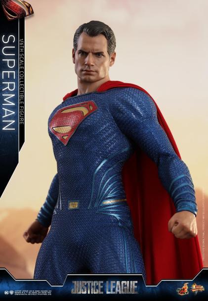 Hot Toys JL Superman (20)