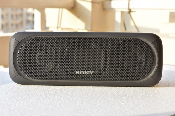 Sony XB40 wireless speaker - Front view with 2 speakers and reverse bass woofer
