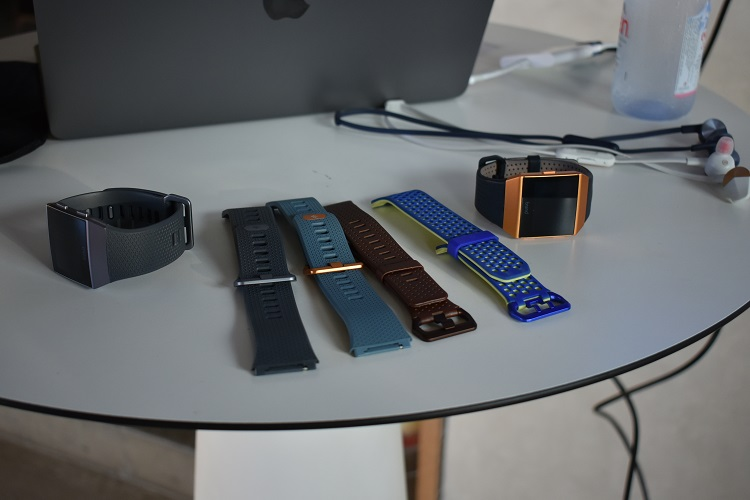 Fibit Ionic smartwatch - with wrist bands