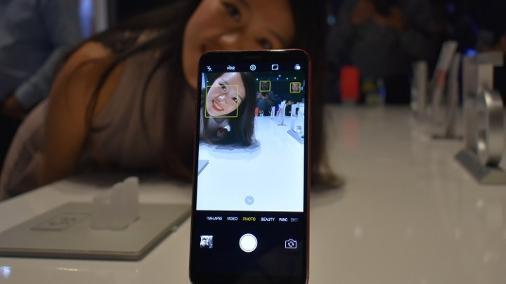 OPPO brings AI technology in Selfies with OPPO F5 Smartphone