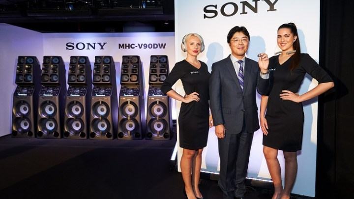 Sony launches new range of 1000X series of wireless headphones and massive audio system at affordable price