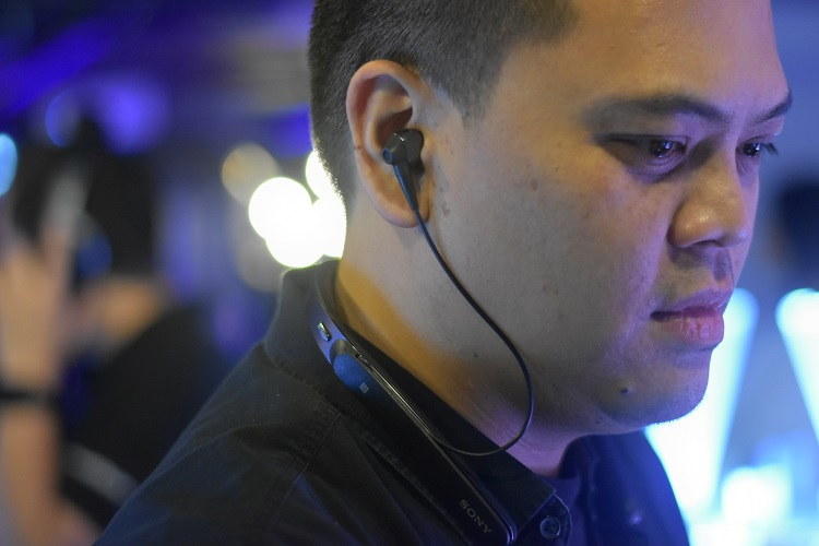 Sony's WI-1000X_Black at the Press conference