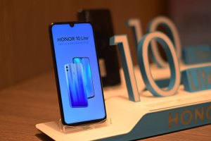 HONOR10Lite_with Dewdrop Notch