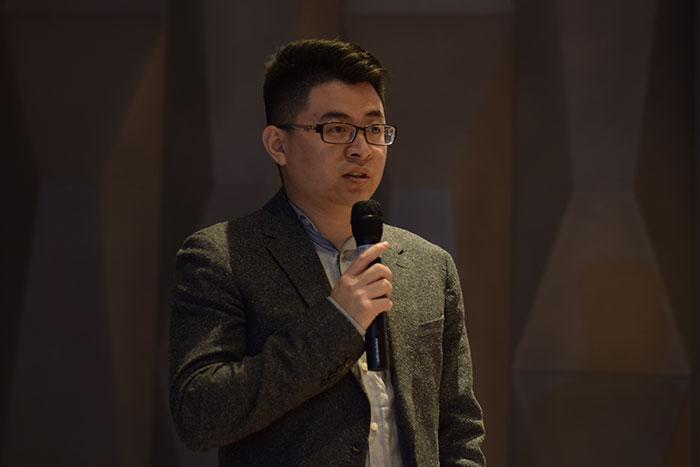 Justin-Li-introducing-the-HONOR-10-Lite