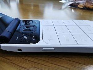 Nokia_2720_Flip-Left-View-3.5mm-Jack_&_Power_button