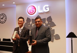 Mr. Jaewon Yu General Manager Air Solutions Division LG Electronics Gulf and Mr. Ashish Kumar General Manager Al Yousuf