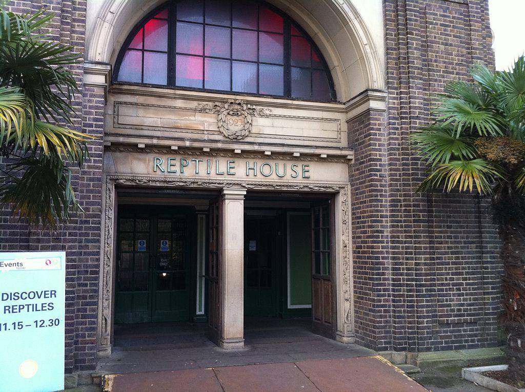 px Reptile House entrance, London Zoo, England Jan
