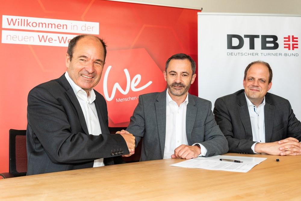 Bild von der Vertragsunterzeichnung zwischen DTB und CAS Software