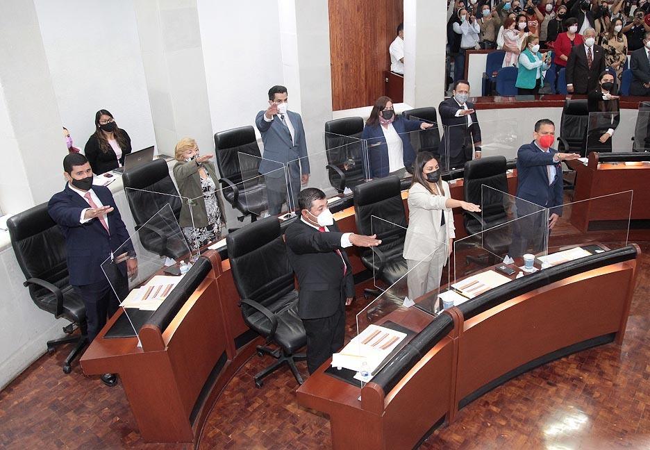En Sesión Solemne de Instalación, los 27 integrantes de la LXIII Legislatura del Congreso del Estado rindieron protesta de ley