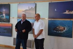 Le Maire de St Clément des Baleines et l'Ambassadeur de Croatie lors du vernissage de l'expositiono-phares-ile-de-re