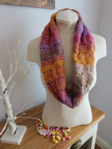 Dolly Mixture Sweetie Crochet Cowl Pattern