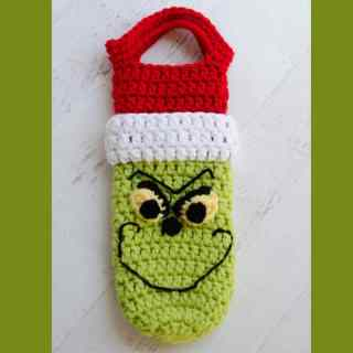 Crochet Grinch Wine Cozy Pattern