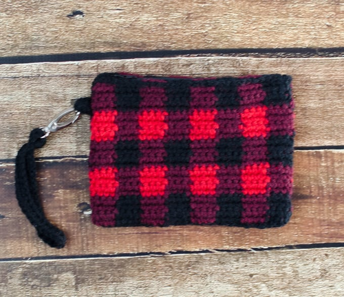 Buffalo Plaid Crochet Wristlet Pattern