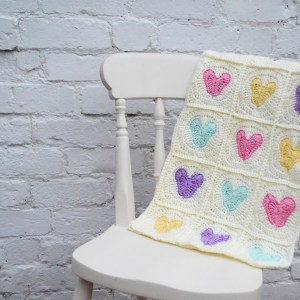 heart-crochet-blanket