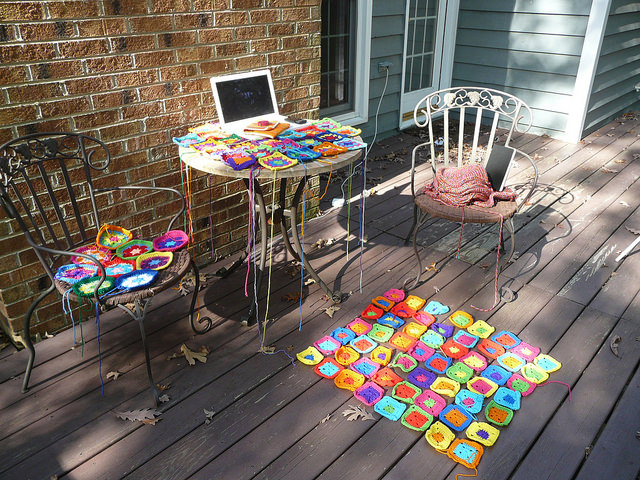 crochetbug, UFOs, unfinished projects, crochet en plein air, outdoor crochet, crochet squares, crochet circles, crochet hexagons