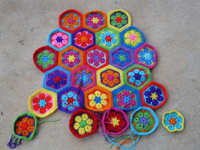 crochet hexagon motifs for a crochet bag