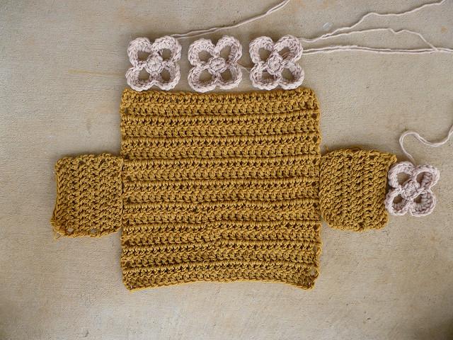 crochet basket with crochet flowers