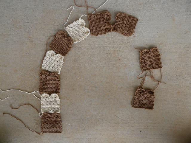 crochetbug, crochet toast scarf, crochet scarf, modular crochet, twinkie chan design
