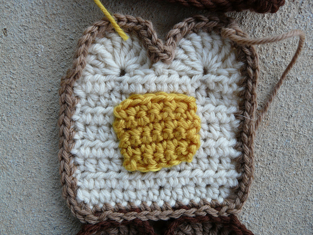 buttered toast crochet motif