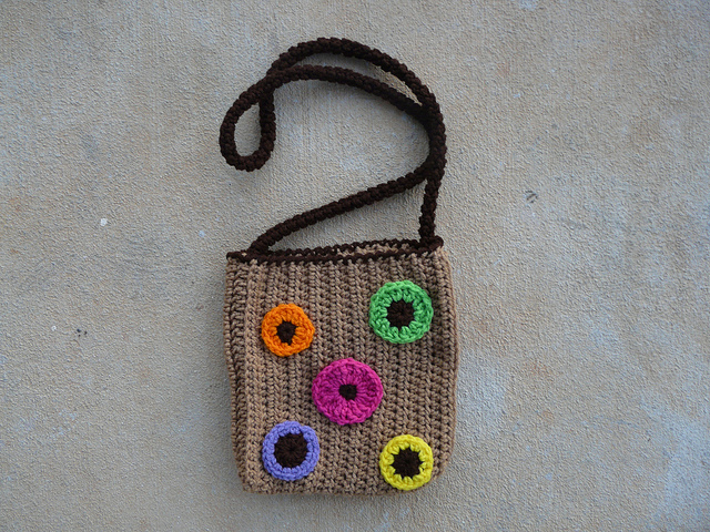 crossbody crochet bag with crochet dots