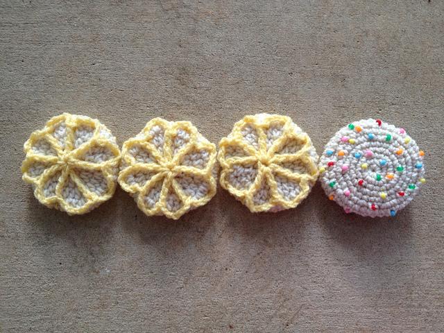 four crochet cookies