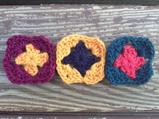 crochetbug, crochet squares, crochet flowers, crochet appliqué, granny squares, crochet ascot