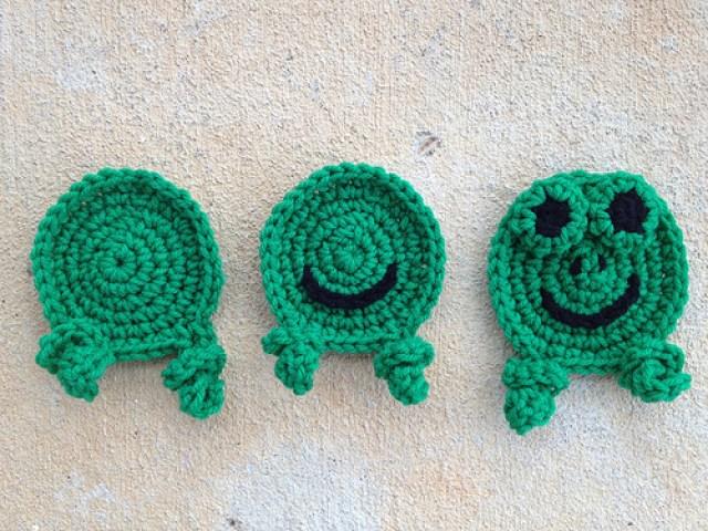 crochetbug, crochet frogs, crochet hexagons, green, crochet blanket, crochet afghan
