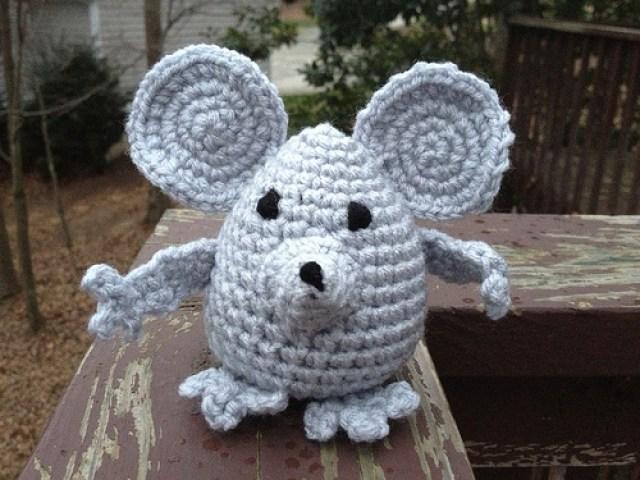 Despereaux, crochetbug, crochet mouse, amigurumi mouse, pocket pal, crochet toy, diy toy