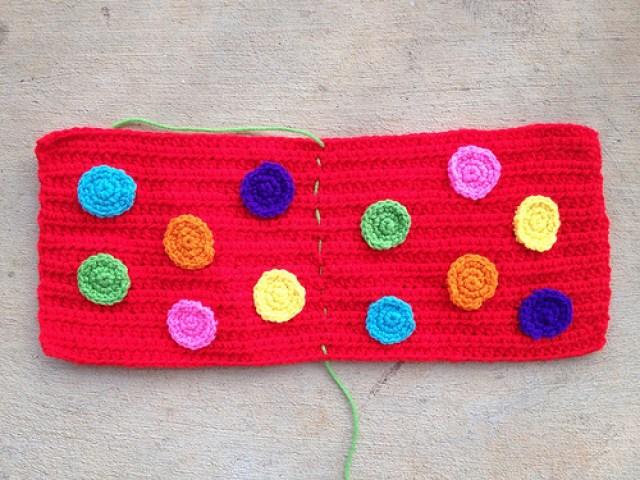 crochetbug, crochet dots, crochet circles, crochet applique, crochet purse, crochet pocket purse, crochet bag