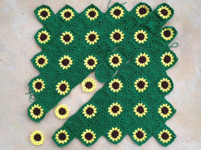 sunflower crochet lapghan