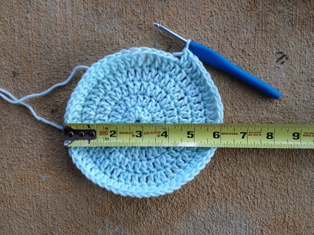 six rounds of a crochet chemo cap
