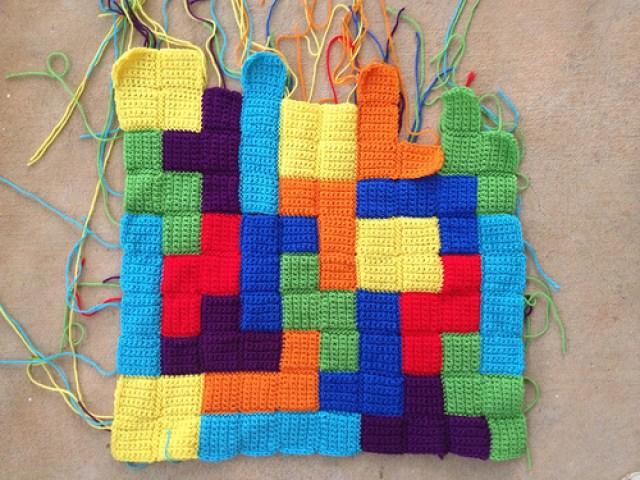 joining crochet tetrominos, crochet squares