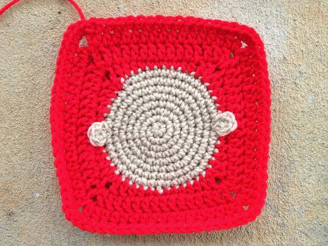 Linus face crochet square