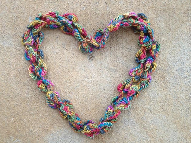 endless love crochet hearts