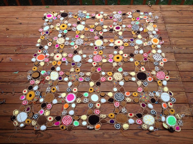 crochetbug, crochet cookies, crochet cookie motifs, crochet circles, crochet blanket, crochet afghan, crochet throw