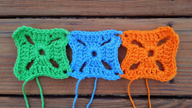 join as you go crochet squares