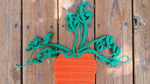 crochet carrot top