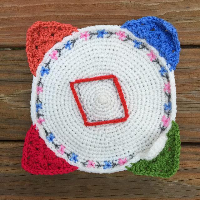 crochet corner red diamond