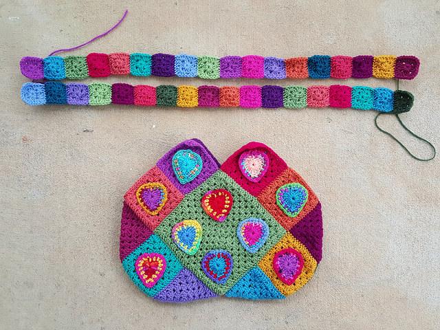 crochet heart crochet bag