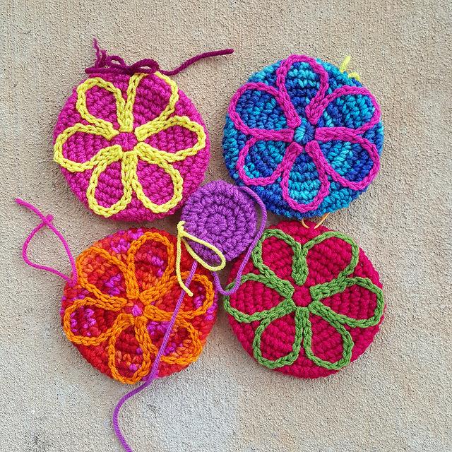 five crochet circles crochet flower motif