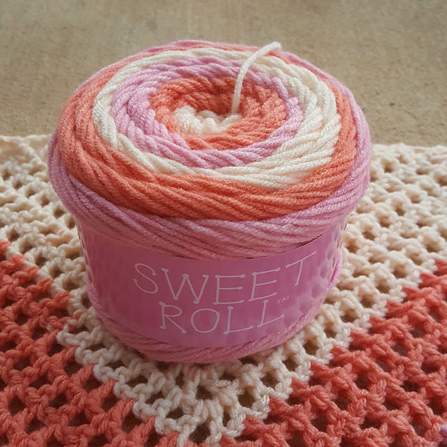 sweet roll acrylic yarn