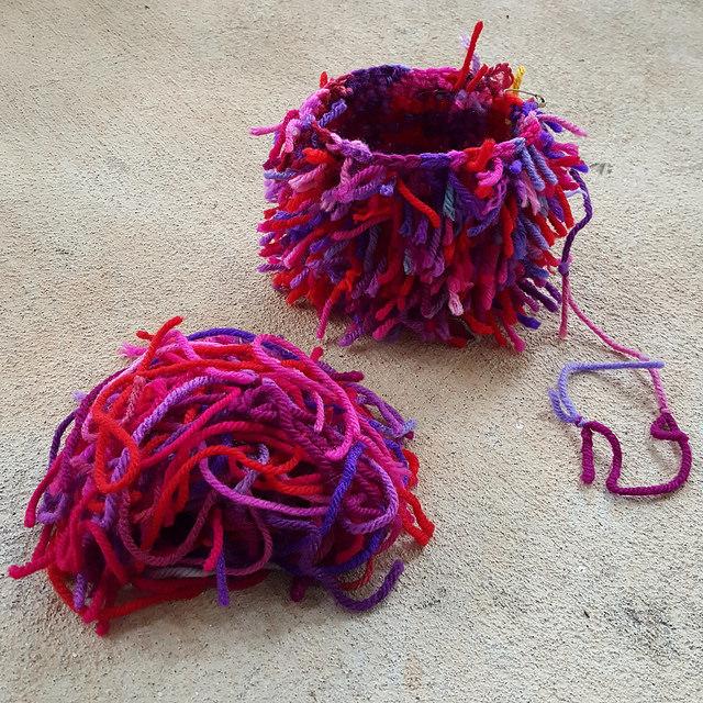 scrap yarn crochet cats, crochetbug, scrap yarn project, use what you have, amigurumi cat, toy cat