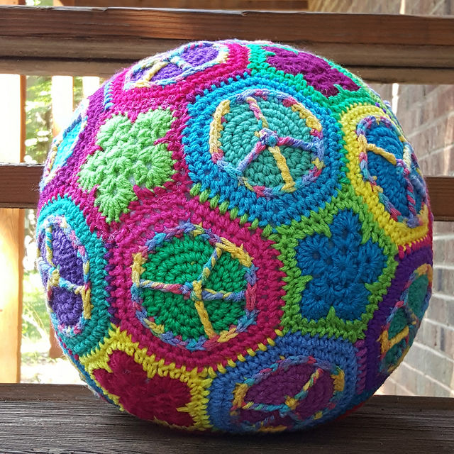 peace sign crochet soccer ball, crochetbug, crochet hexagons, crochet flowers, crochet pentagon