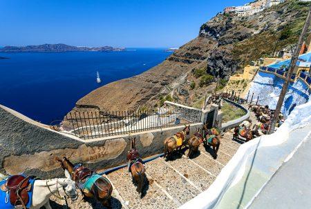 asinelli santorini per arrivare al porto