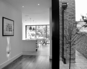 Thurleigh Road, SW12 8HD