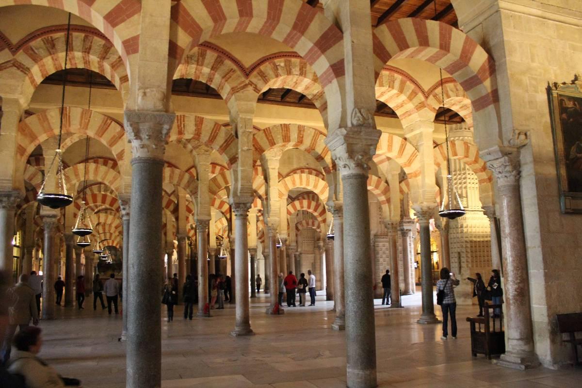 C rdoba un viaje por la historia todo ociotodo ocio - Mezquita de cordoba de noche ...