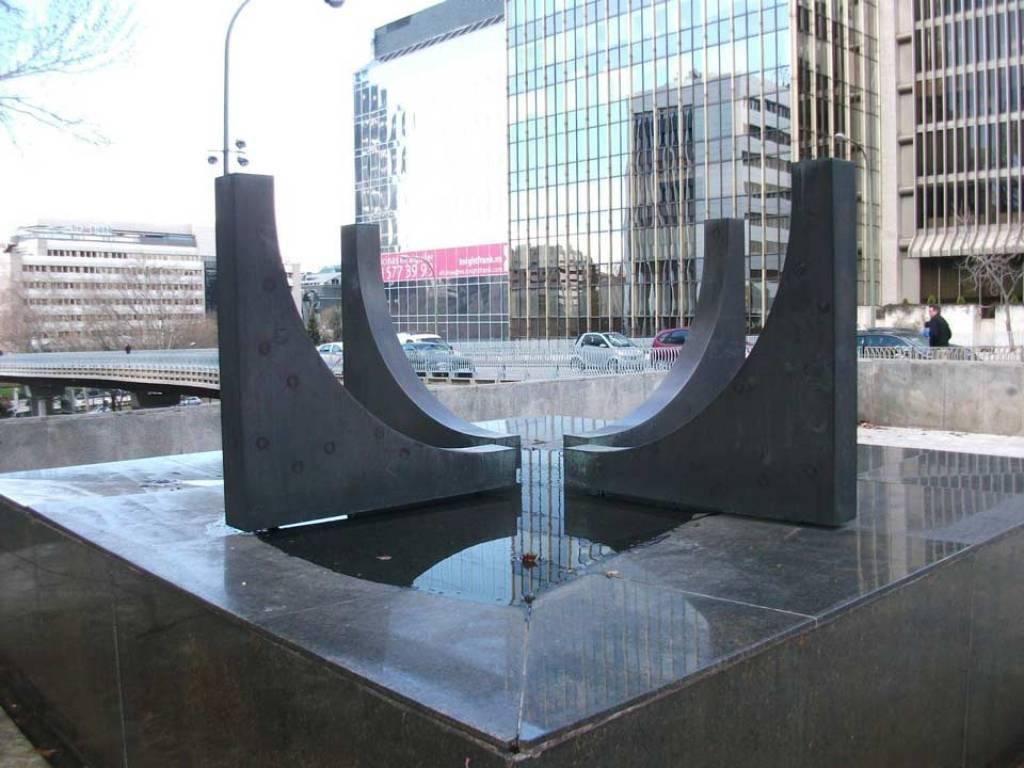 Gustavo Torner, Plaza-Escultura.