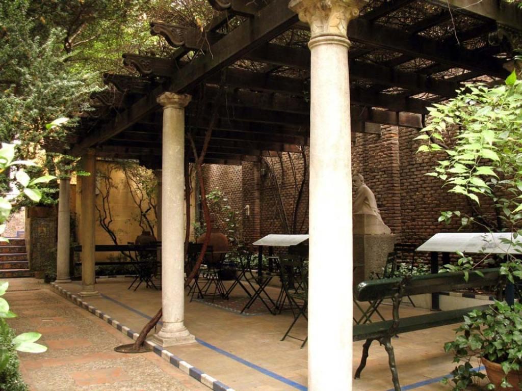 La pérgola en el jardín del Museo Sorolla