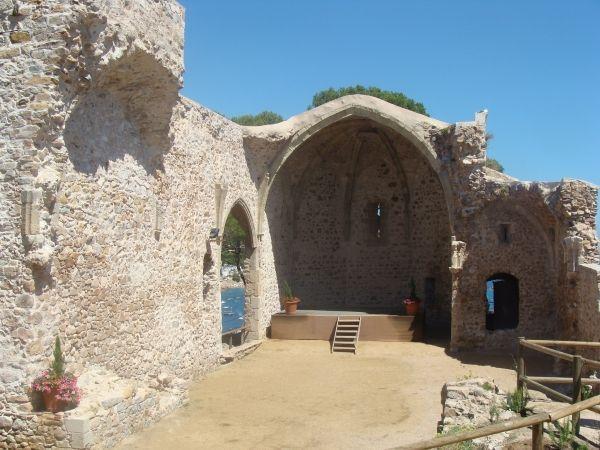Tossa-de-Mar-antigua-iglesia-San-Vicente