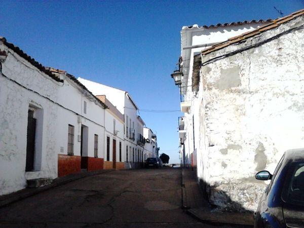 Calle-San-Andrés-antigua-entrada-y-torres-del-castilla